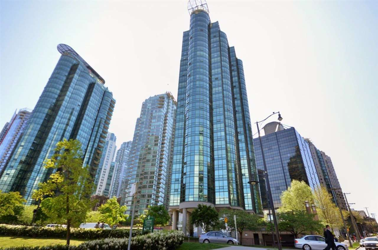 702 588 BROUGHTON STREET - Coal Harbour Apartment/Condo for sale, 2 Bedrooms (R2575950) - #1