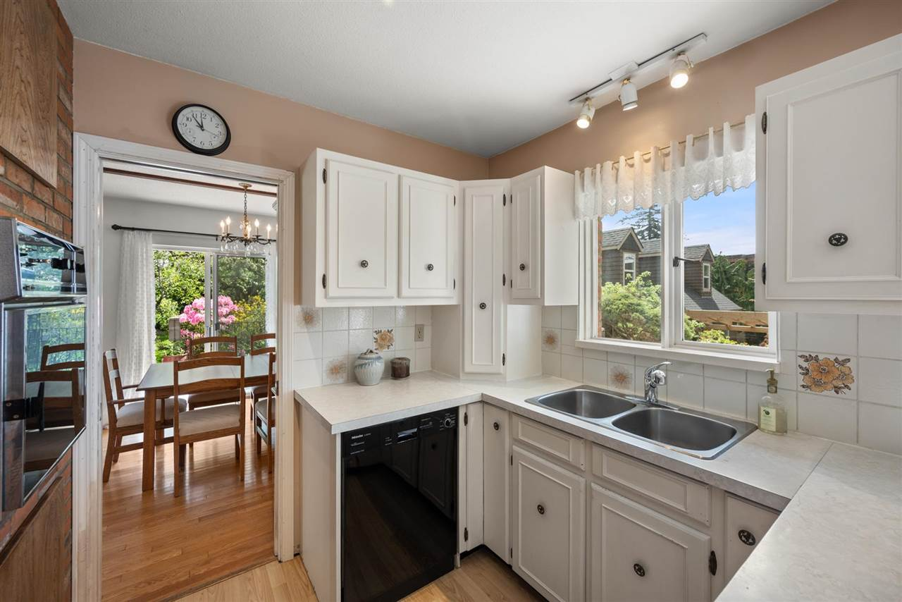 1526 BISHOP ROAD - White Rock House/Single Family for sale, 5 Bedrooms (R2576143) - #18