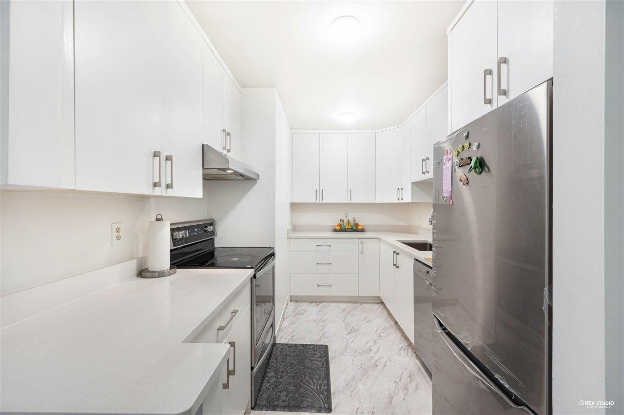 206 10644 151A STREET - Guildford Apartment/Condo for sale, 2 Bedrooms (R2576163) - #2