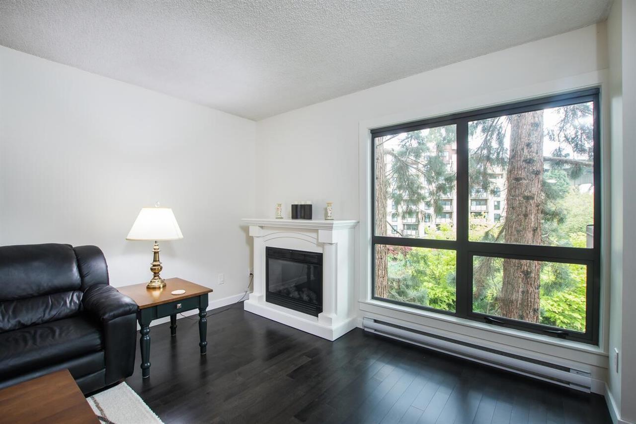 301 1477 FOUNTAIN WAY - False Creek Apartment/Condo for sale, 2 Bedrooms (R2576313)