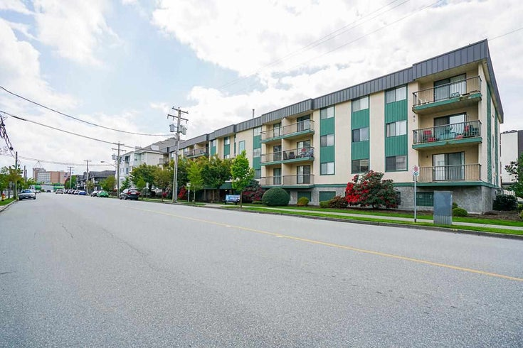 104 45744 SPADINA AVENUE - Chilliwack W Young-Well Apartment/Condo for sale, 2 Bedrooms (R2576497)