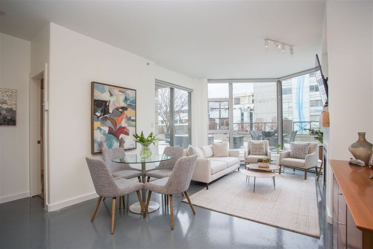 303 160 E 13TH STREET - Central Lonsdale Apartment/Condo for sale, 2 Bedrooms (R2576683)