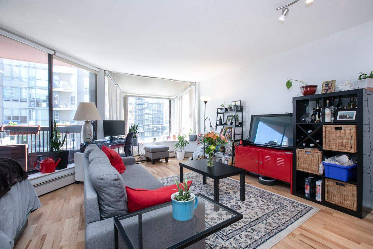 802 1333 HORNBY STREET - Downtown VW Apartment/Condo for sale(R2577527)