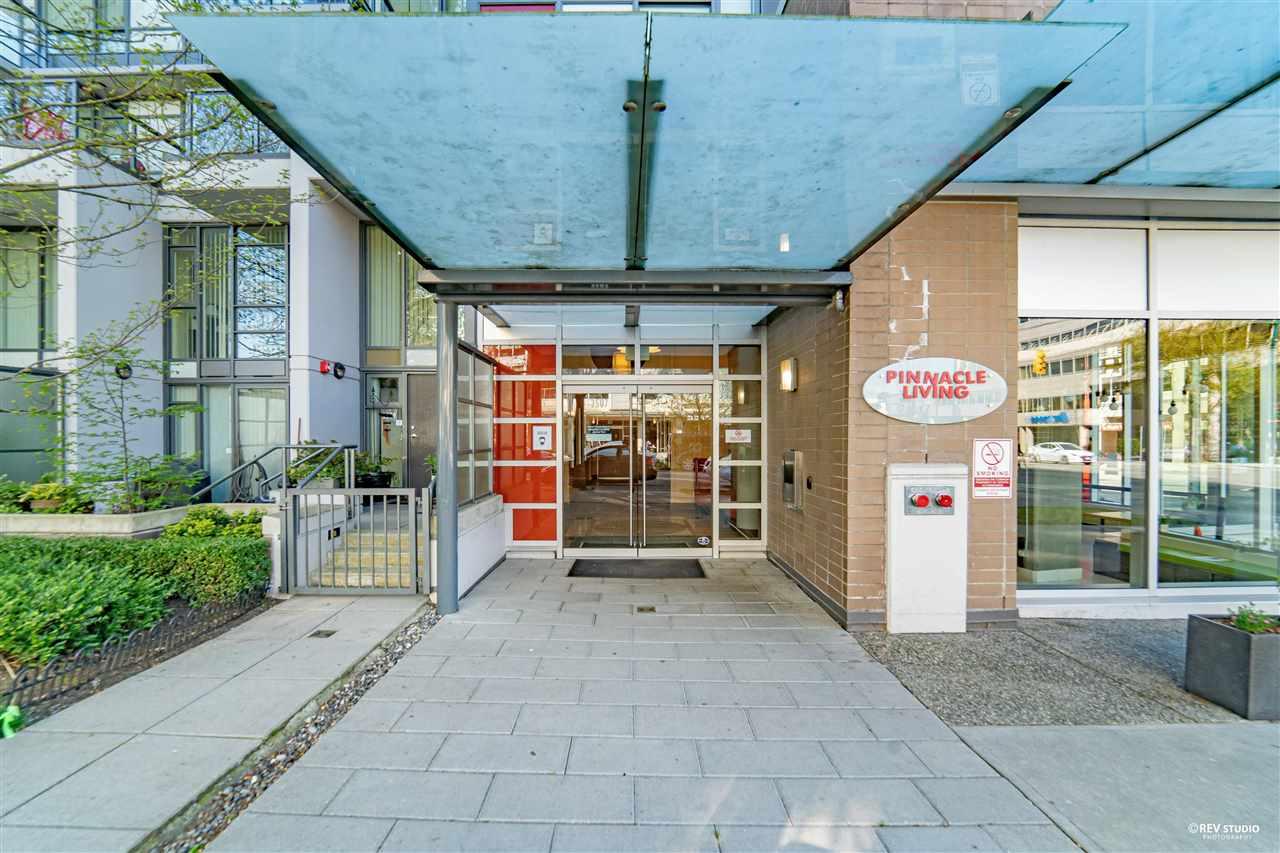 808 2507 MAPLE STREET - Kitsilano Apartment/Condo for sale, 2 Bedrooms (R2577735)