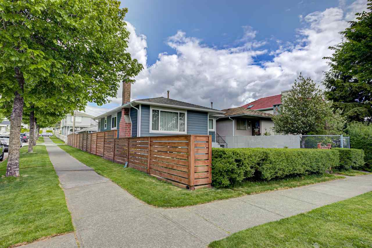 1005 E 58TH AVENUE - South Vancouver House/Single Family for sale, 3 Bedrooms (R2577933)