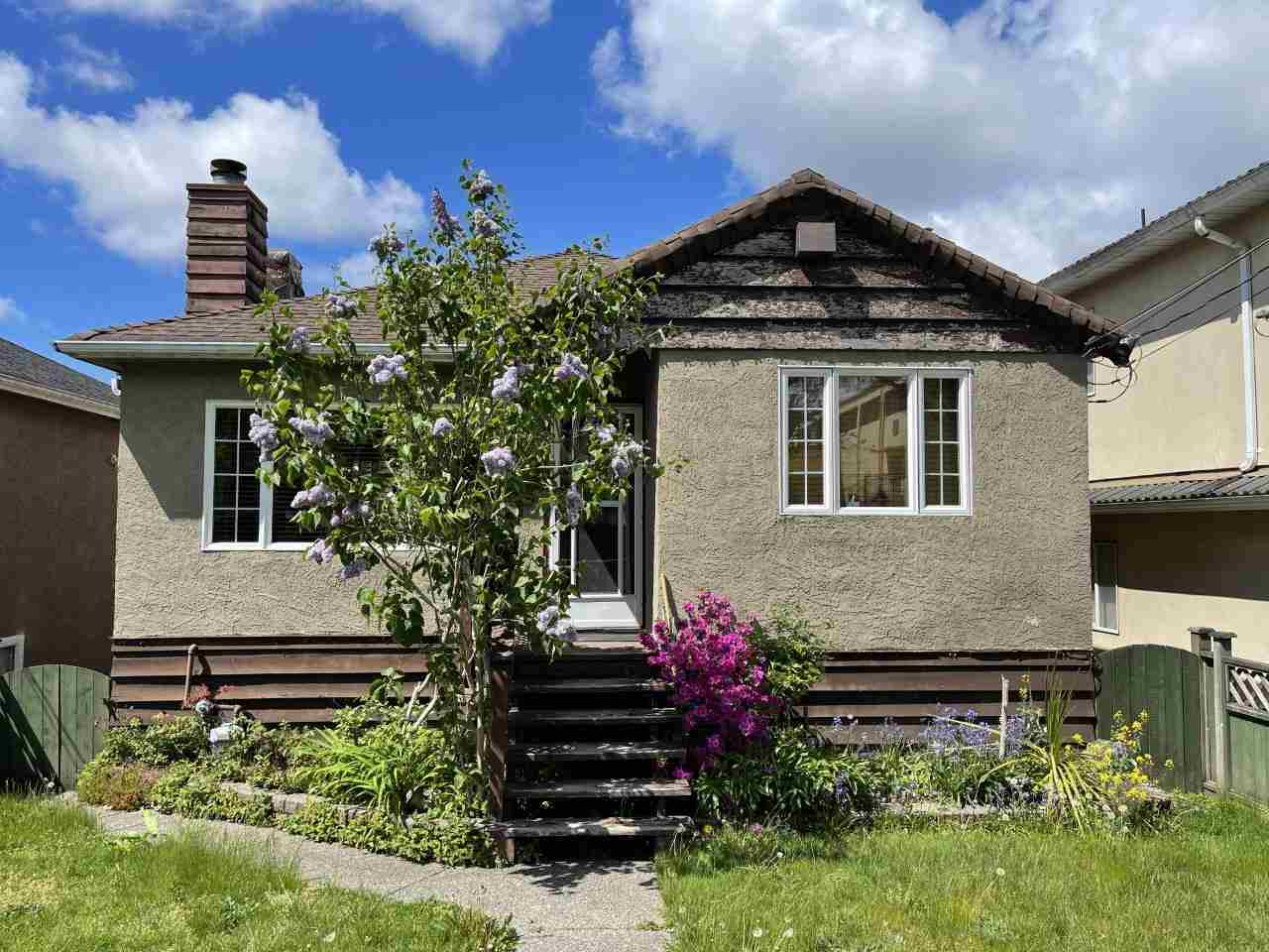 4749 SLOCAN STREET - Collingwood VE House/Single Family for sale, 3 Bedrooms (R2578550) - #1