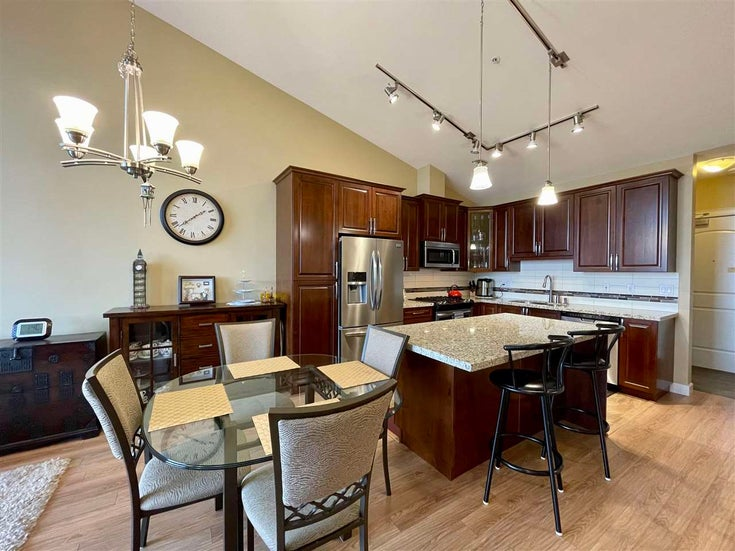 613 8067 207 STREET - Willoughby Heights Apartment/Condo for sale, 2 Bedrooms (R2579390)