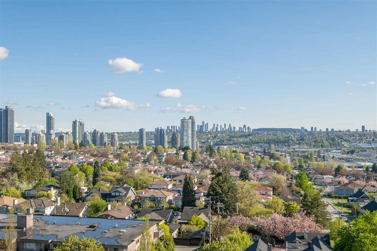801 3920 HASTINGS STREET - Willingdon Heights Apartment/Condo for sale, 2 Bedrooms (R2579731)