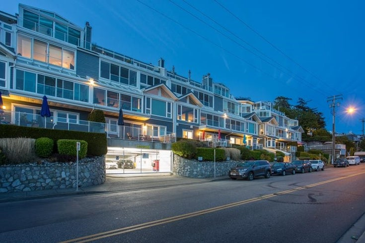 202 15165 MARINE DRIVE - White Rock Apartment/Condo for sale, 2 Bedrooms (R2579960)