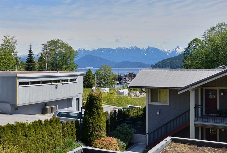 205 414 GOWER POINT ROAD - Gibsons & Area Apartment/Condo for sale, 2 Bedrooms (R2580082)