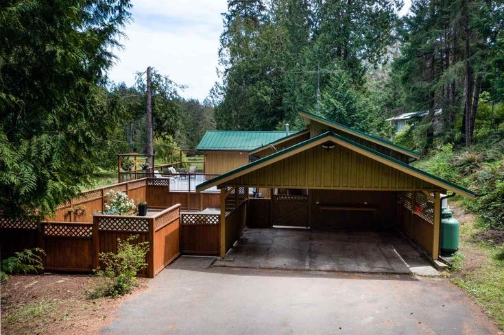 124 ELLIS ROAD - Galiano Island House/Single Family for sale, 3 Bedrooms (R2580376)