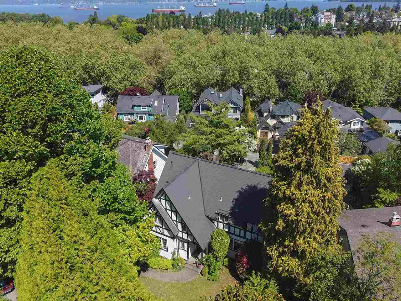 2598 WALLACE CRESCENT - Point Grey House/Single Family for sale, 4 Bedrooms (R2580523)