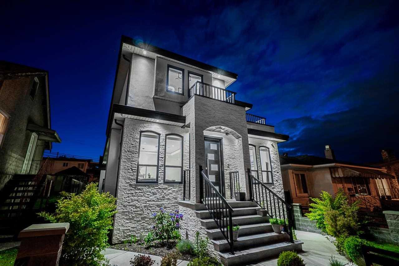 3261 RUPERT STREET - Renfrew Heights House/Single Family for sale, 10 Bedrooms (R2580762) - #1