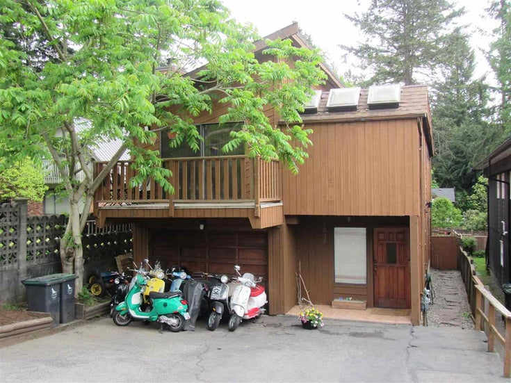 4032 MOUNTAIN HIGHWAY - Lynn Valley House/Single Family for sale, 4 Bedrooms (R2582483)