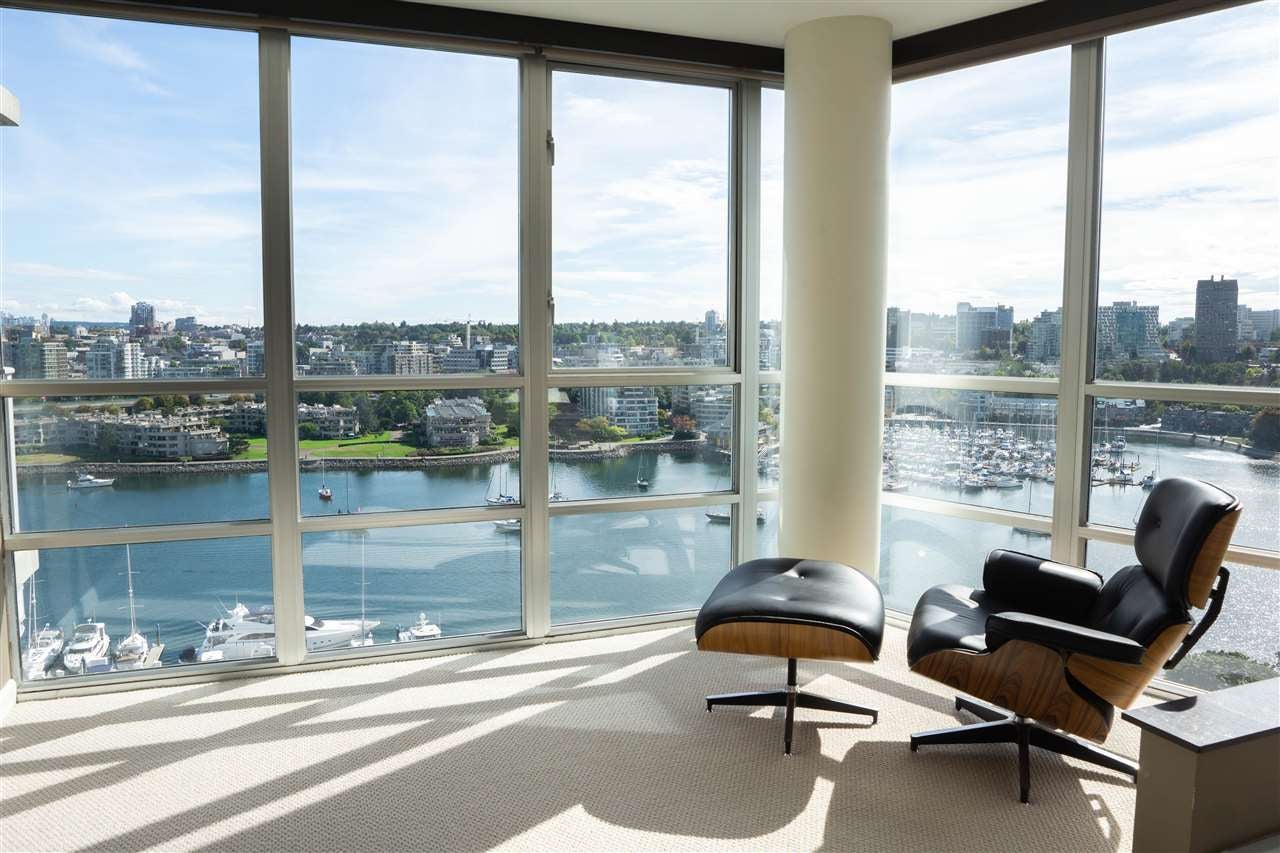 1902 1228 MARINASIDE CRESCENT - Yaletown Apartment/Condo for sale, 3 Bedrooms (R2582919) - #1