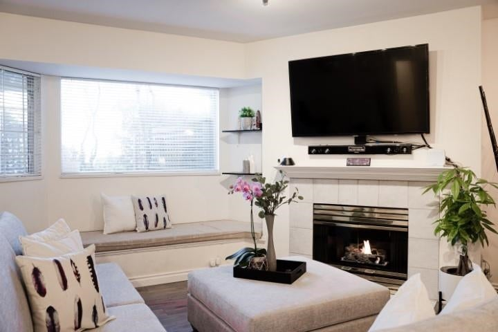 102 3738 NORFOLK STREET - Central BN Apartment/Condo for sale, 1 Bedroom (R2582944)
