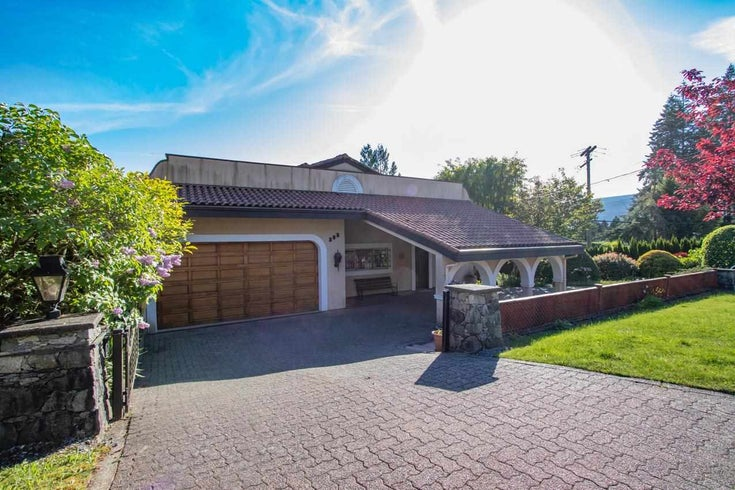 385 MONTERAY AVENUE - Upper Delbrook House/Single Family for sale, 4 Bedrooms (R2582994)