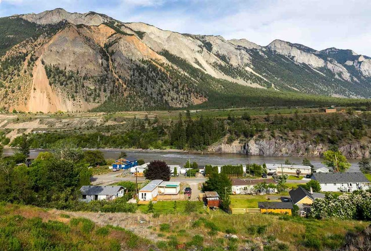 245 MCEWEN ROAD - Lillooet Lake Manufactured with Land for sale, 3 Bedrooms (R2582996)