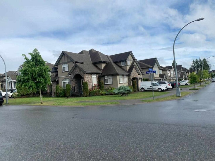 2798 CARRIAGE COURT - Aberdeen House/Single Family for sale, 4 Bedrooms (R2588312)