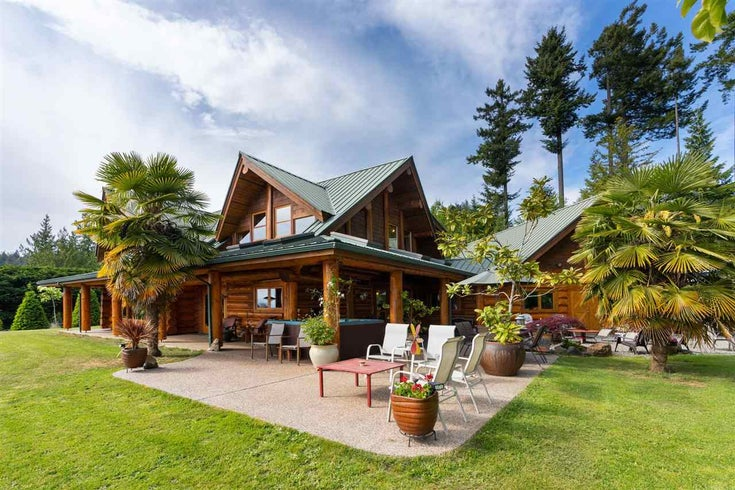2203 PIXTON ROAD - Roberts Creek House with Acreage for sale, 6 Bedrooms (R2588736)