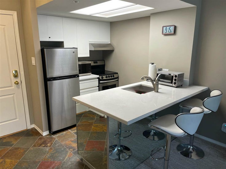 215 4809 SPEARHEAD DRIVE - Benchlands Apartment/Condo for sale, 1 Bedroom (R2589777)