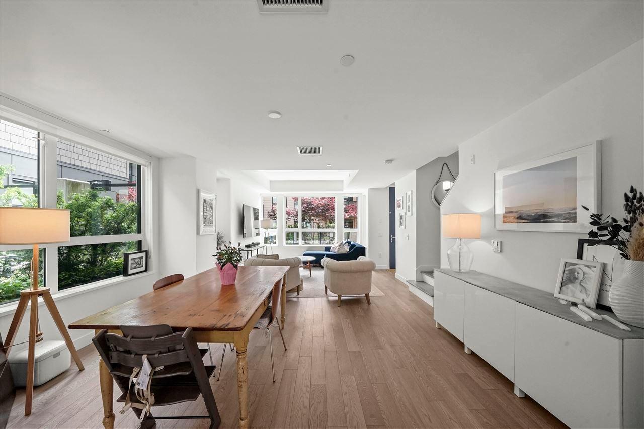 210 1055 RIDGEWOOD DRIVE - Edgemont Townhouse for sale, 3 Bedrooms (R2590174) - #4