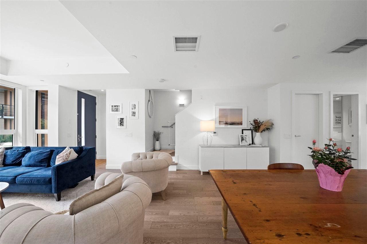 210 1055 RIDGEWOOD DRIVE - Edgemont Townhouse for sale, 3 Bedrooms (R2590174) - #5