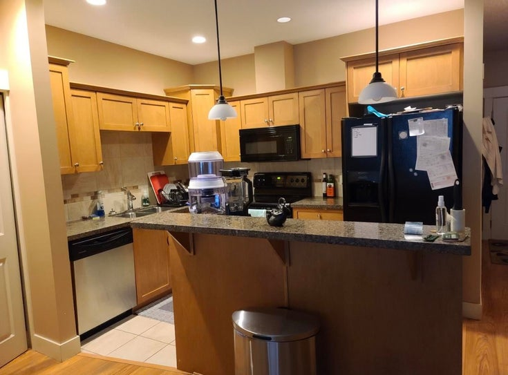 209 45615 BRETT AVENUE - Chilliwack W Young-Well Apartment/Condo for sale, 2 Bedrooms (R2590288)