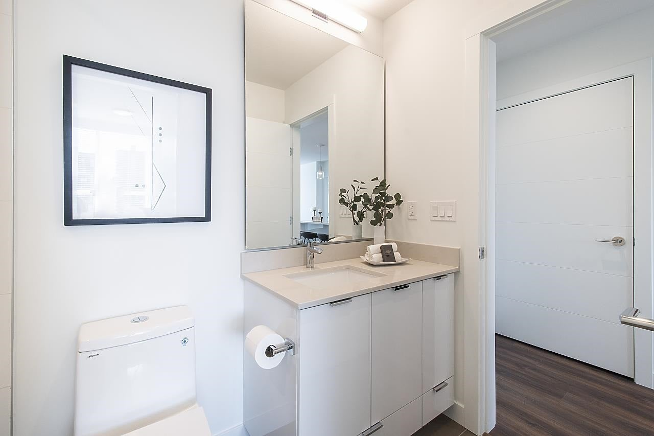 405 108 E 8 STREET - Central Lonsdale Apartment/Condo for sale, 2 Bedrooms (R2590369) - #20