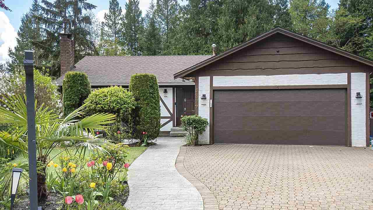 4327 RUTH CRESCENT - Lynn Valley House/Single Family for sale, 4 Bedrooms (R2590515) - #1