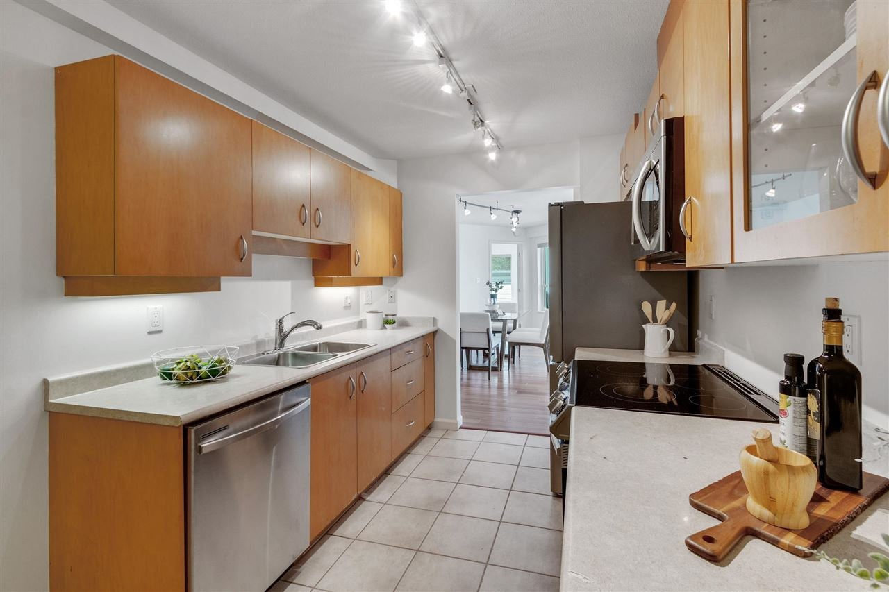 203 108 W ESPLANADE STREET - Lower Lonsdale Apartment/Condo for sale, 2 Bedrooms (R2590651) - #11