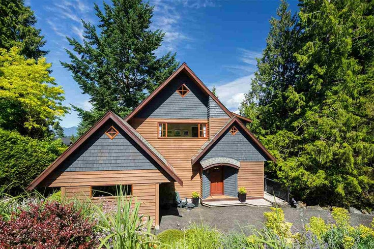 963 VILLAGE DRIVE - Bowen Island House/Single Family for sale, 2 Bedrooms (R2590809)