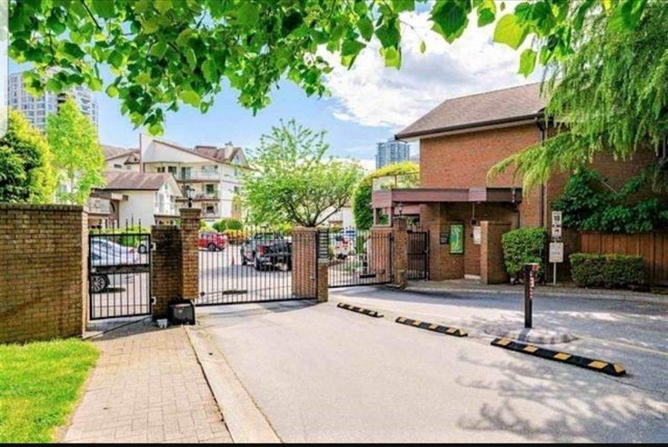 104 13888 102 AVENUE - Whalley Townhouse for sale, 2 Bedrooms (R2590965)