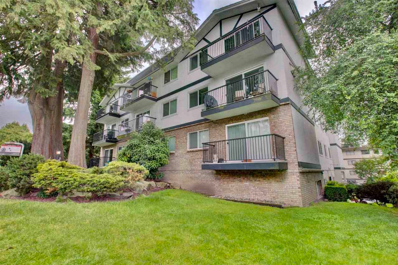 304 157 E 21ST STREET - Central Lonsdale Apartment/Condo for sale, 2 Bedrooms (R2591008) - #1