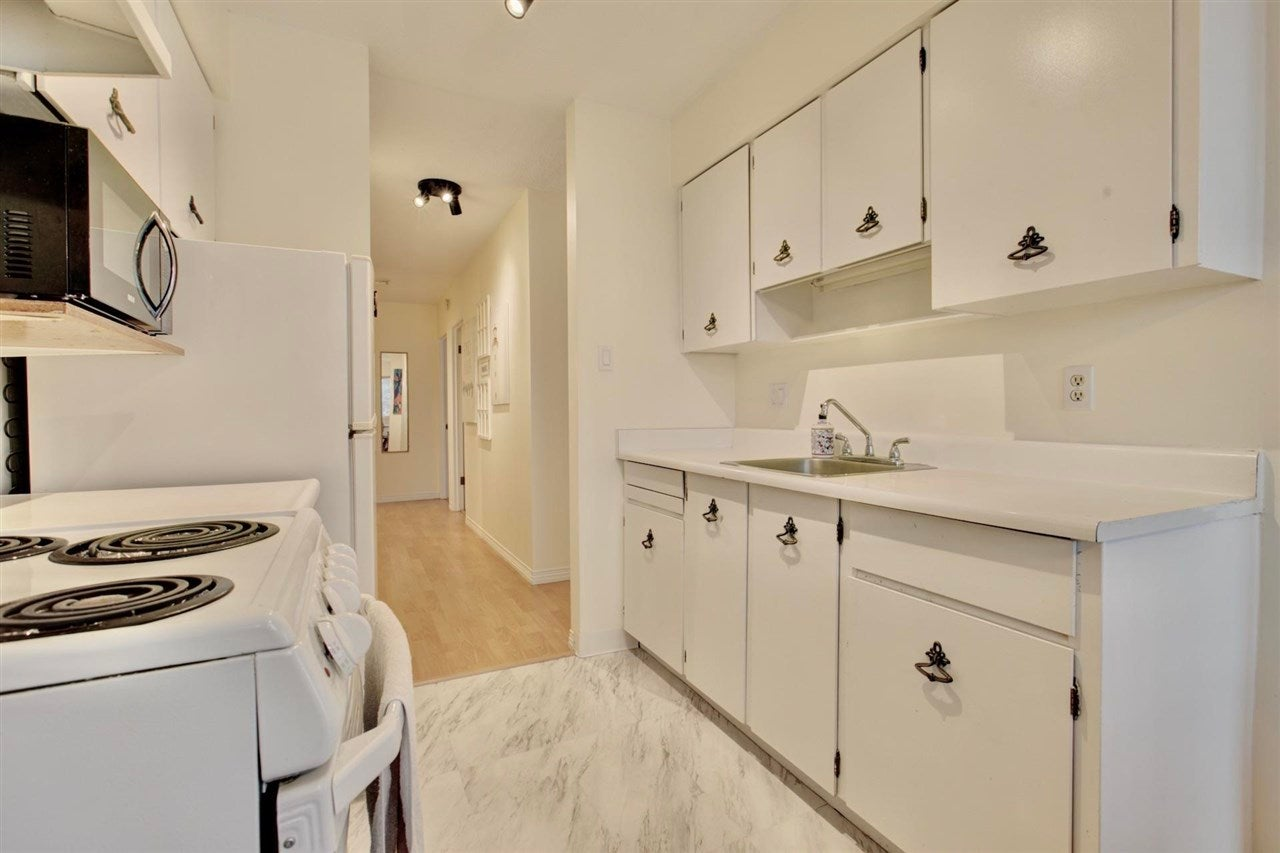 304 157 E 21ST STREET - Central Lonsdale Apartment/Condo for sale, 2 Bedrooms (R2591008) - #13