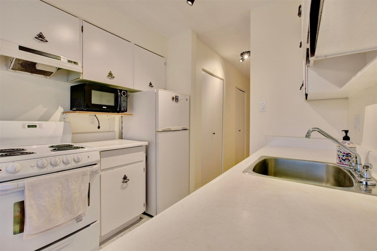 304 157 E 21ST STREET - Central Lonsdale Apartment/Condo for sale, 2 Bedrooms (R2591008) - #15