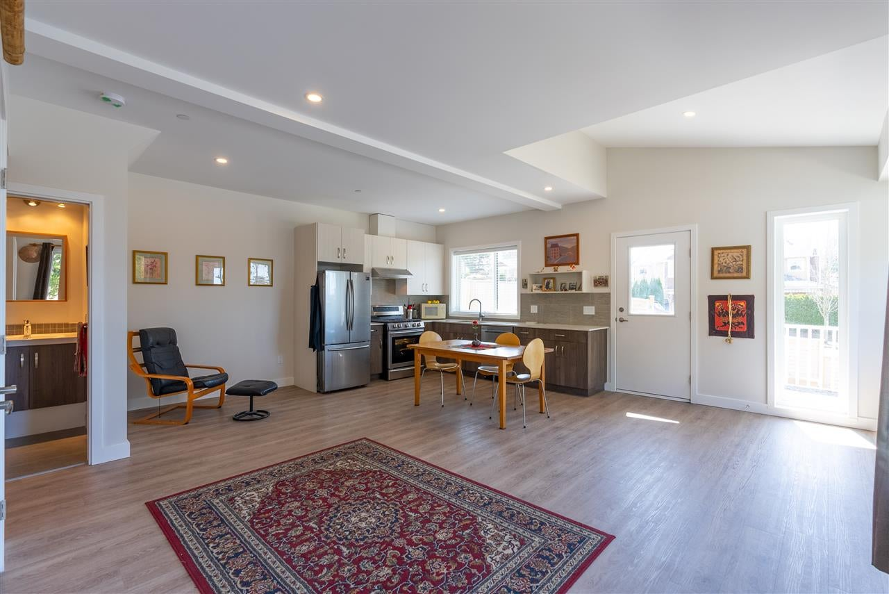 200 E 18TH STREET - Central Lonsdale 1/2 Duplex for sale, 3 Bedrooms (R2591159) - #2