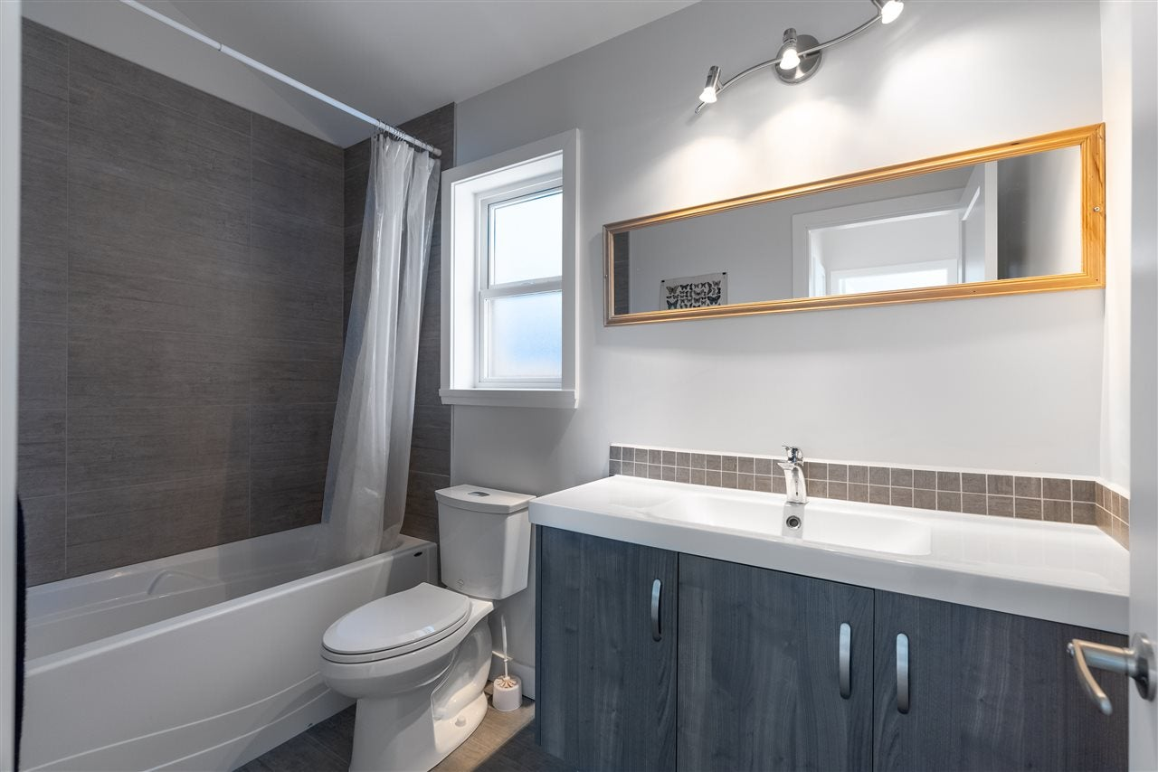 200 E 18TH STREET - Central Lonsdale 1/2 Duplex for sale, 3 Bedrooms (R2591159) - #20