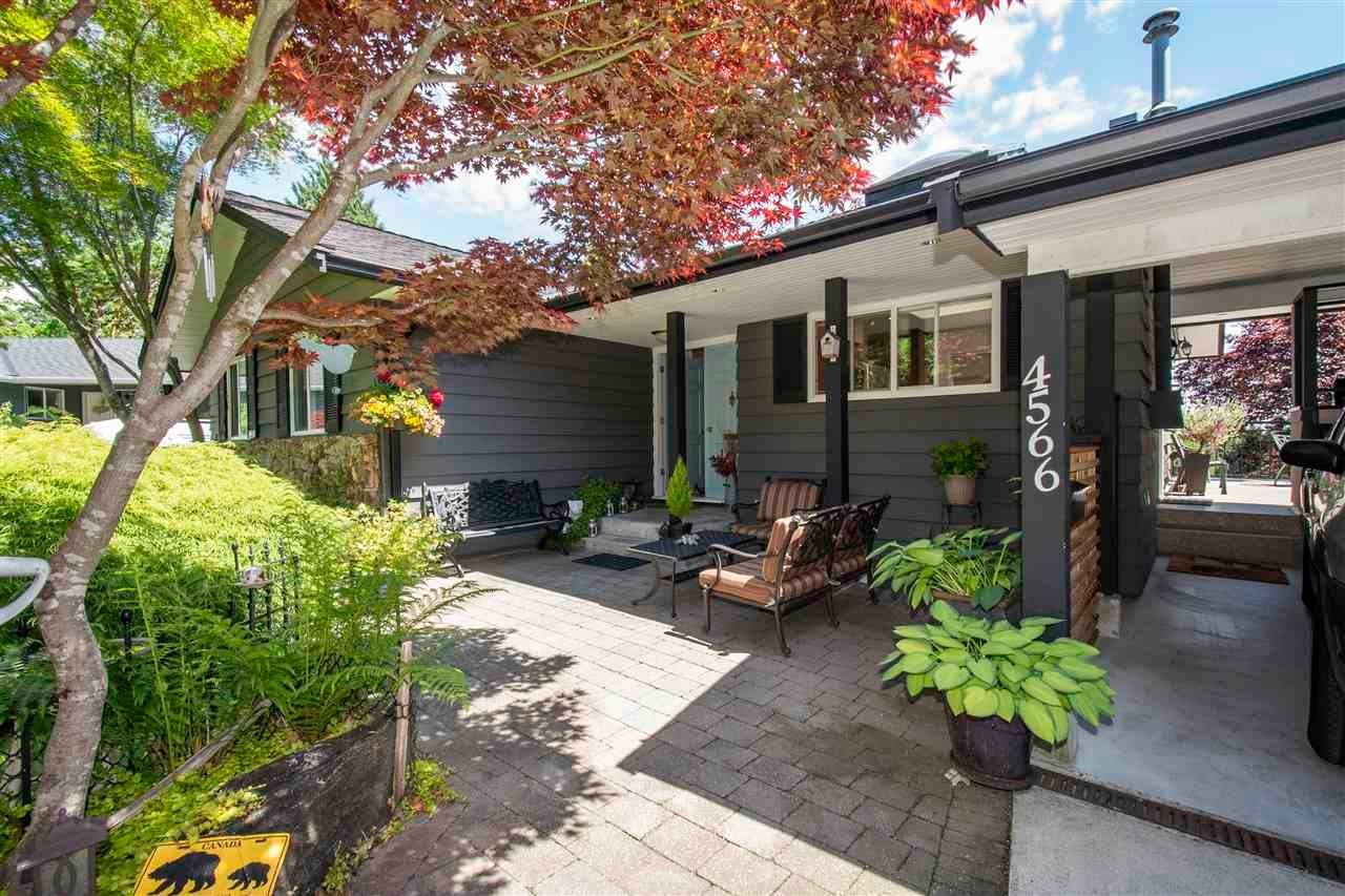 4566 MEADOWBANK CLOSE - Lynn Valley House/Single Family for sale, 4 Bedrooms (R2591312) - #3