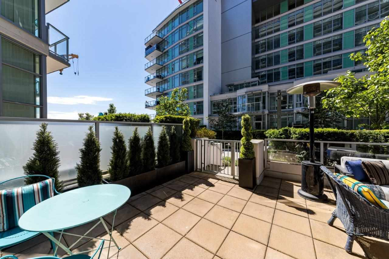 104 199 VICTORY SHIP WAY - Lower Lonsdale Apartment/Condo for sale, 2 Bedrooms (R2591600) - #2