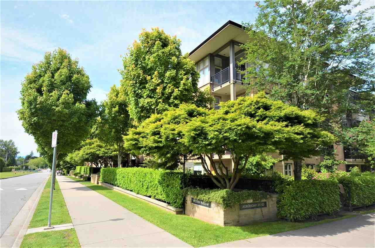 318 2388 WESTERN PARKWAY - University VW Apartment/Condo for sale, 2 Bedrooms (R2592205)