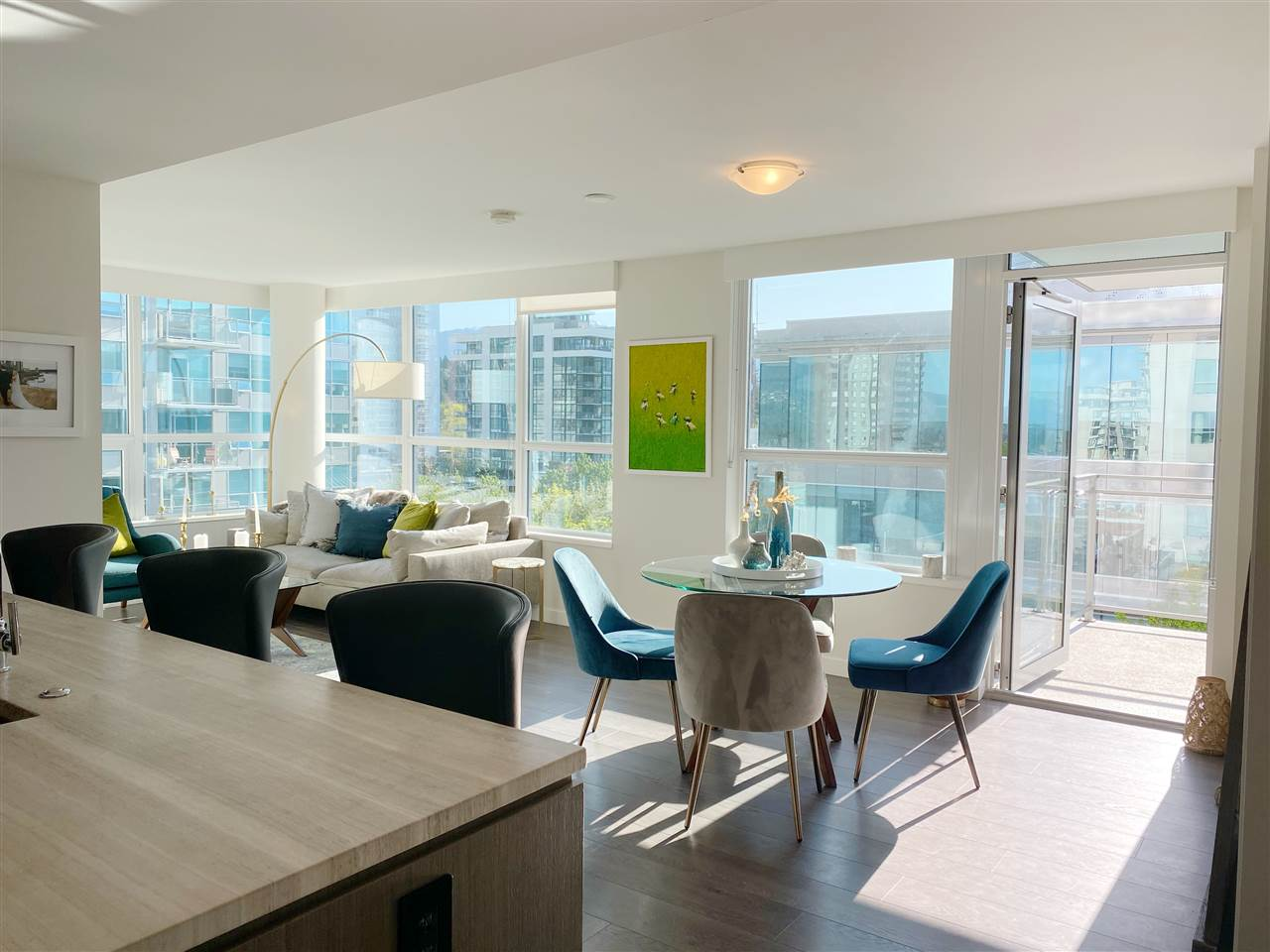 602 112 E 13TH STREET - Central Lonsdale Apartment/Condo for sale, 2 Bedrooms (R2592230)