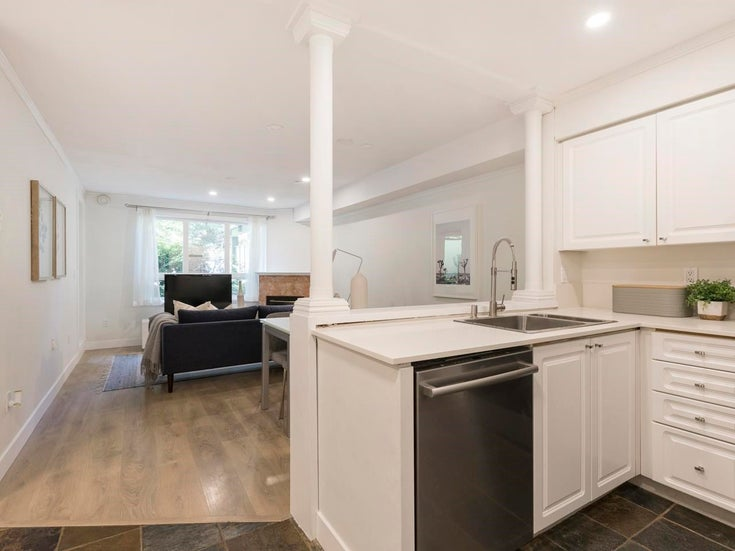 109 14377 103 AVENUE - Whalley Apartment/Condo for sale, 2 Bedrooms (R2592475)