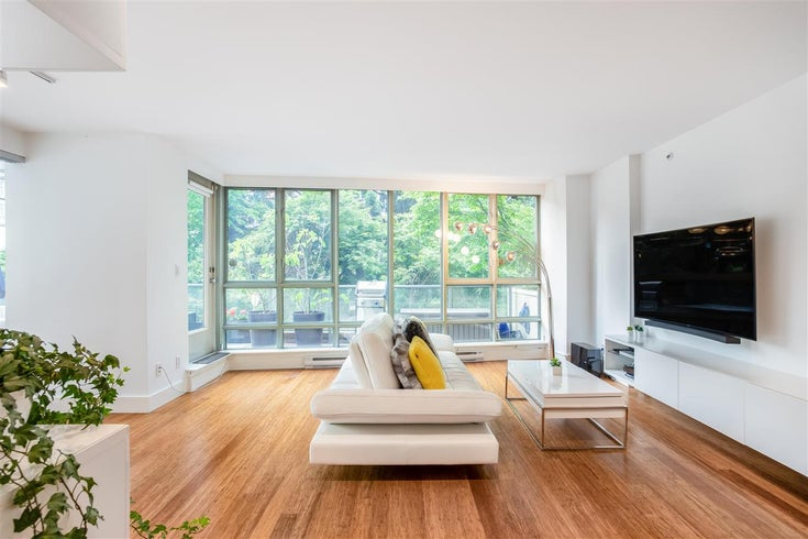 301 930 CAMBIE STREET - Yaletown Apartment/Condo for sale, 3 Bedrooms (R2592533)