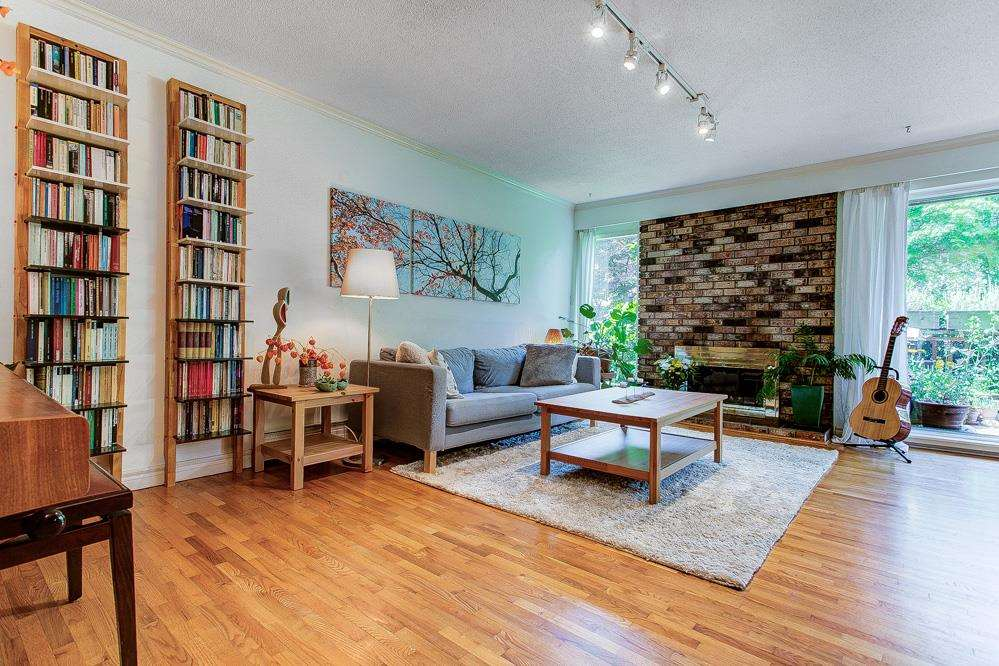 303 555 W 28TH STREET - Upper Lonsdale Apartment/Condo for sale, 3 Bedrooms (R2592618)