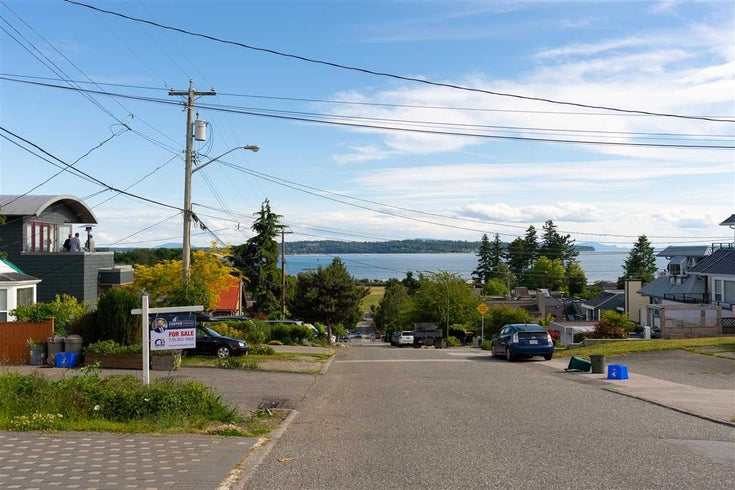 952 KEIL STREET - White Rock House/Single Family for sale, 5 Bedrooms (R2592729)