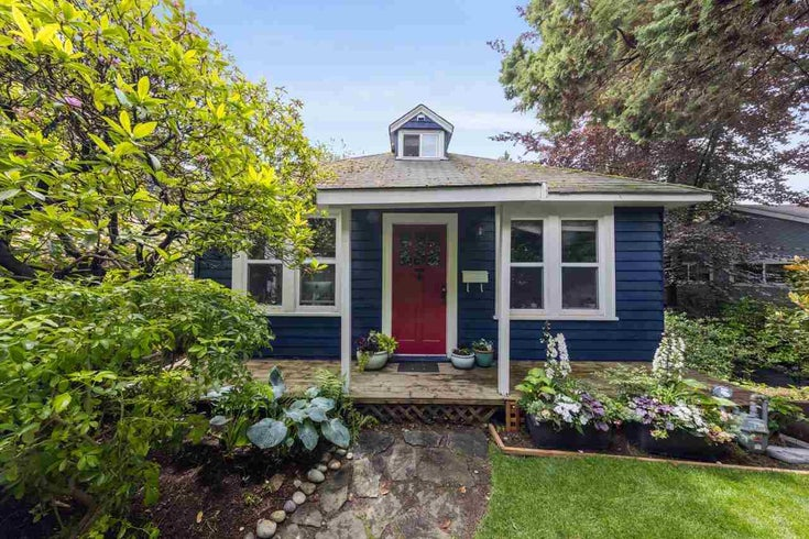 221 W 23RD STREET - Central Lonsdale House/Single Family for sale, 5 Bedrooms (R2593677)