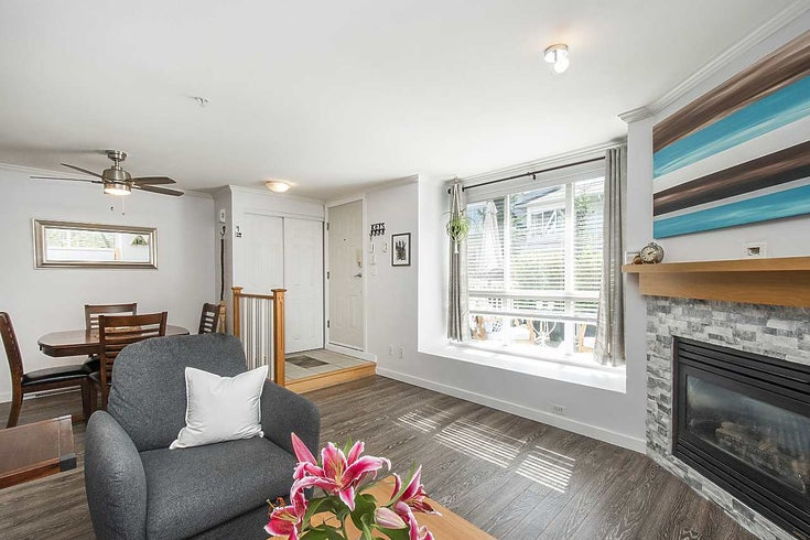 4 1071 LYNN VALLEY ROAD - Lynn Valley Townhouse for sale, 2 Bedrooms (R2593926)