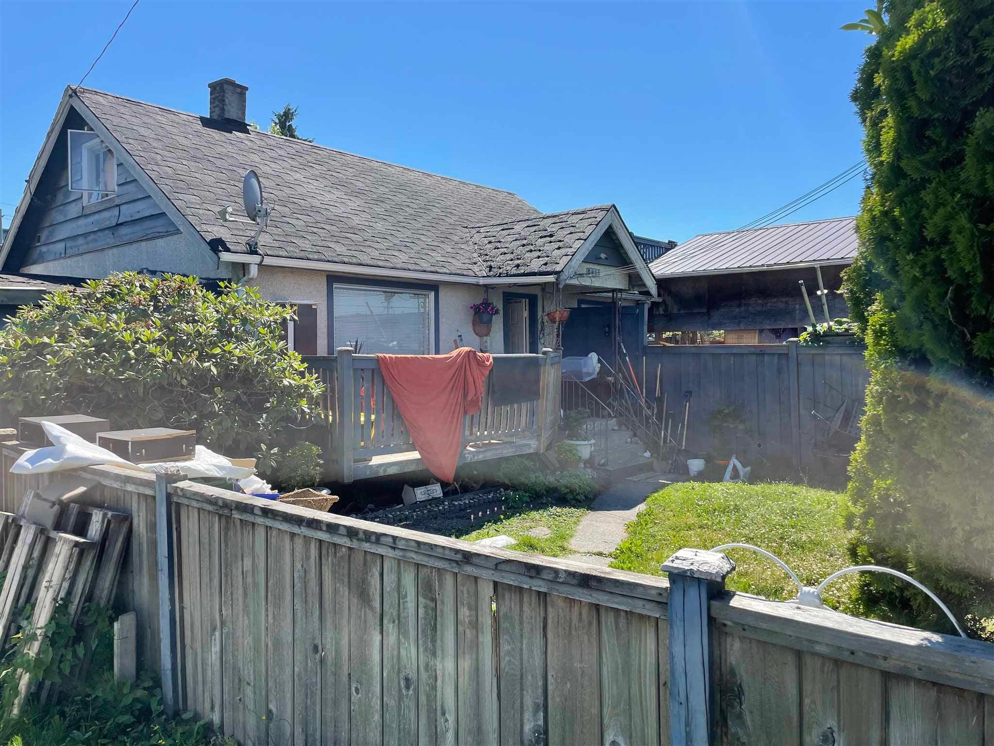 9000 DOUGLAS STREET - Bridgeport RI House/Single Family for sale, 2 Bedrooms (R2594006)