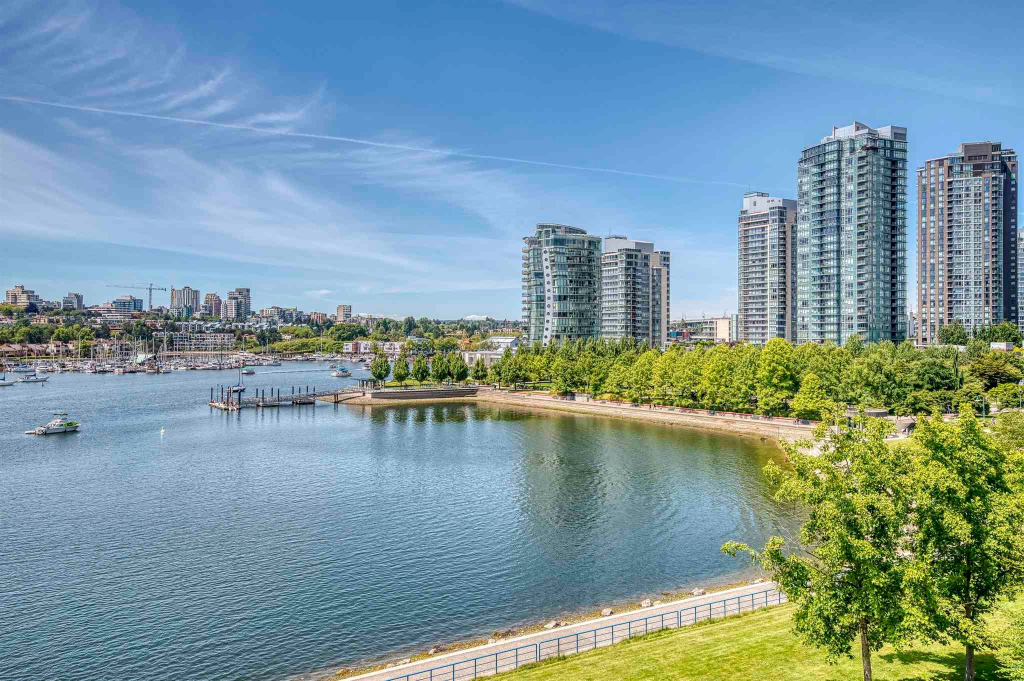 705 1383 MARINASIDE CRESCENT - Yaletown Apartment/Condo for sale, 2 Bedrooms (R2594508)